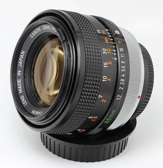 A objetiva Canon FD 55mm f/1.2 lens: radioativa
