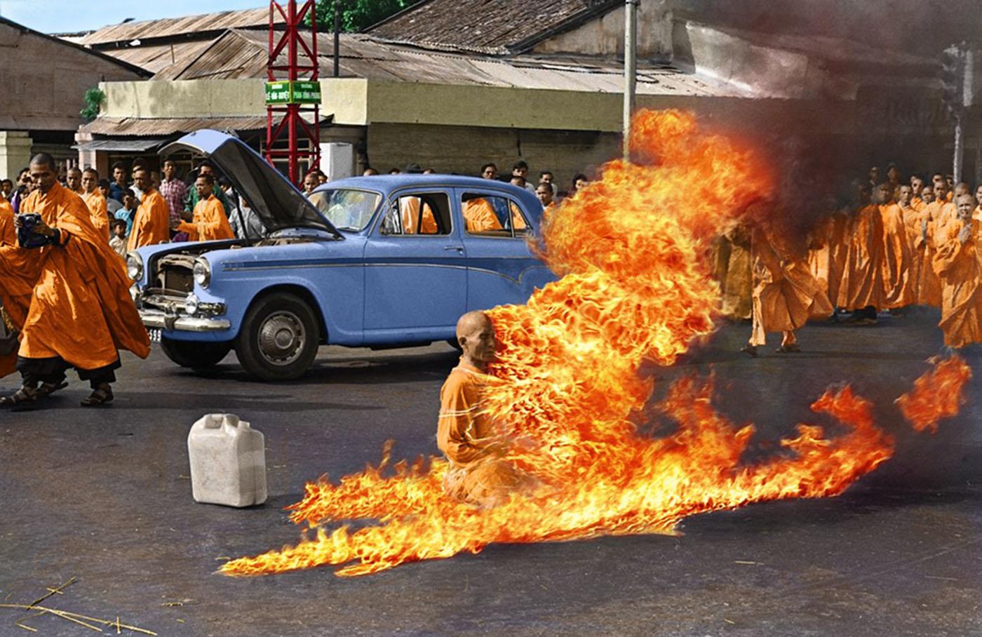 história por trás da foto monge em chamas