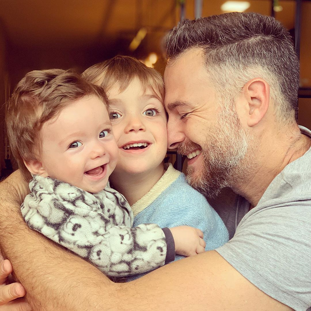 Primo Tacca Neto e seus filhos: Benício e Luca