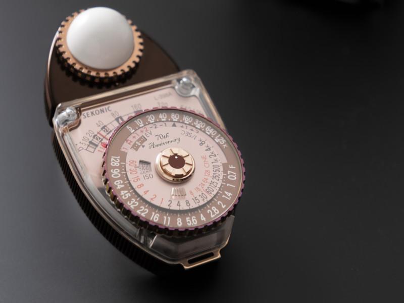Sekonic lança fotômetro retrô com design de 1956