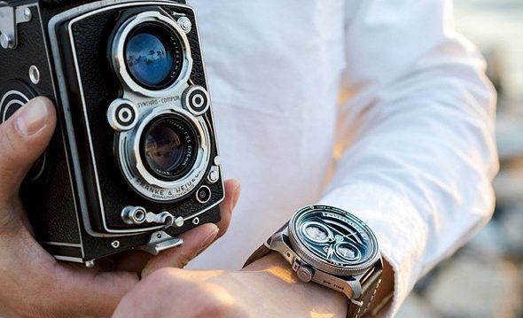 relógio inspirado em câmeras antigas