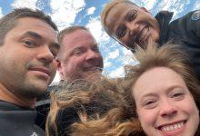 Uma selfie histórica! Primeira tripulação civil tira foto do espaço dentro da SpaceX Inspiration4