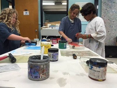 Stone Soup Gallery Hosts Auction For Montessori School