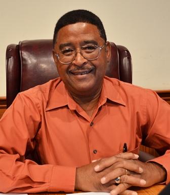 Lopez Holds Public District VI Meeting