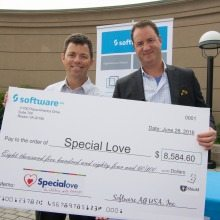 Kevin Niblock, Software AG presents Dave Smith of Special Love with check