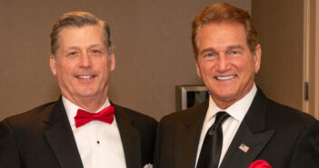Perspecta CEO Mac Curtis (left) and former NFL quarterback Joe Theismann (right) at the 2020 Heart Ball.