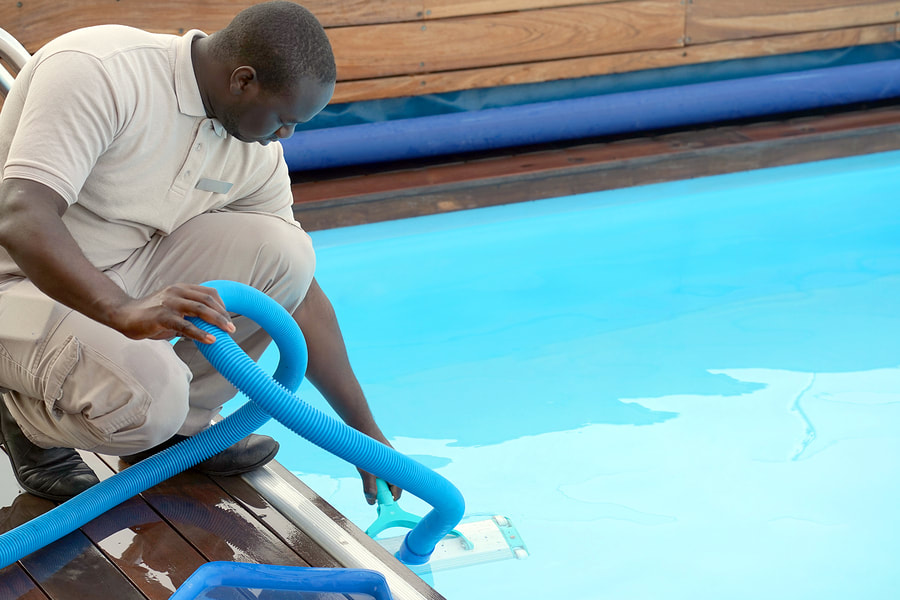san antonio commercial pool cleaning