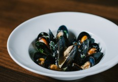 mussels rimrock cafe whistler