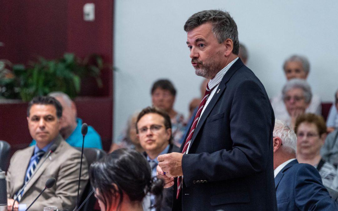 Le conseil municipal de Laval entend retrouver ses pouvoirs