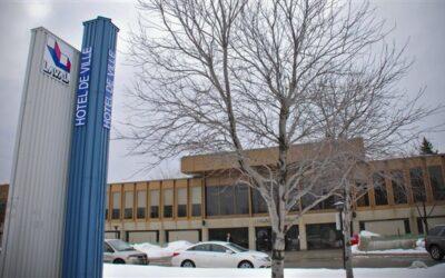 « L'administration Demers se cache derrière l'excuse de la pandémie pour refuser des projets novateurs à Laval »  ACCUEIL Hotel de Ville 400x250