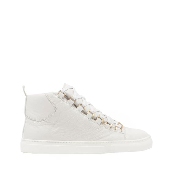 """MY FAVE MUST HAVE: """"SNEAKERS"""""""