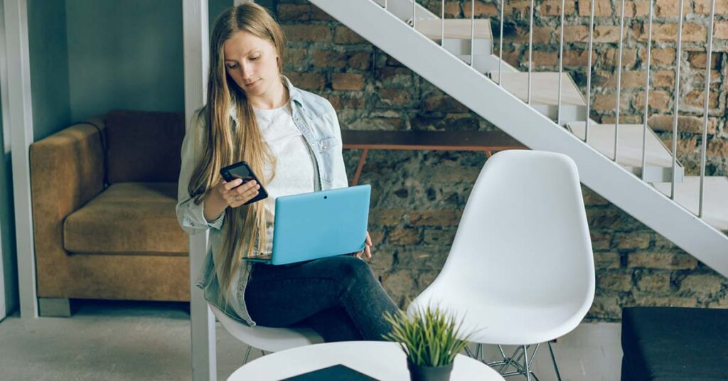 4 Tactics For Interacting With Customers When You're Out Of The Office