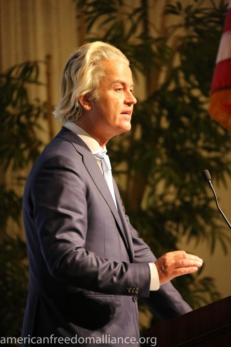 wilders_at_the_podium