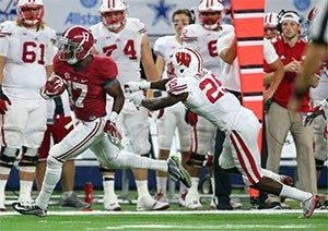 Kenyan Drake goes the distance in the 4th quarter against Wisconsin