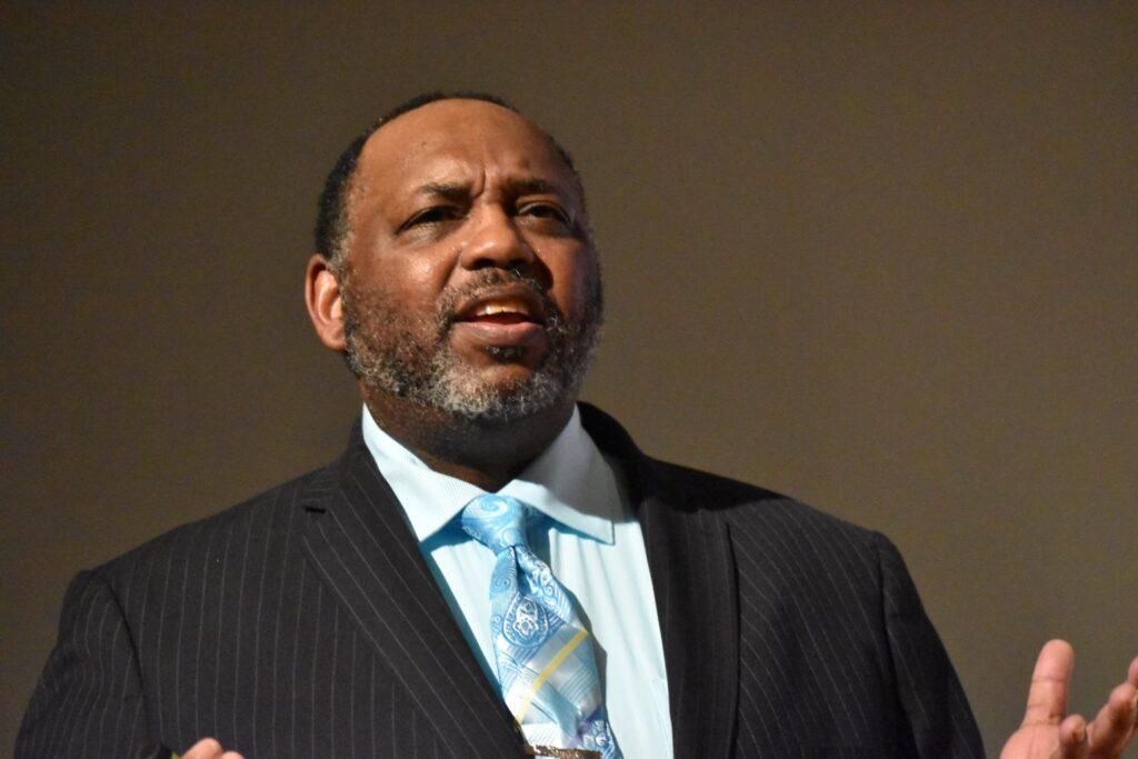 Dr. Craig Mitchell