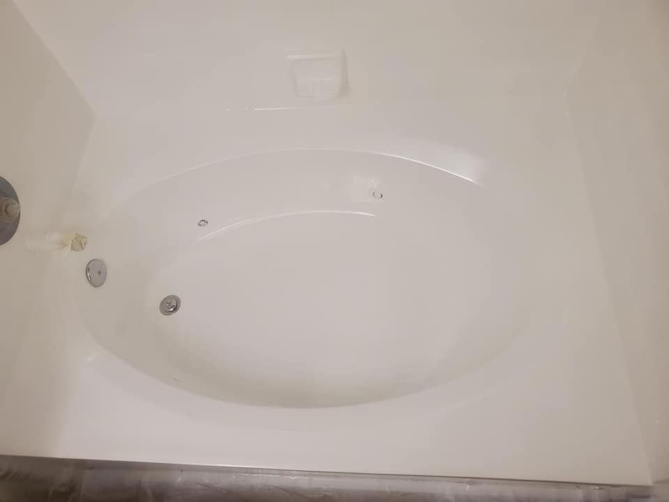 After Bathtub Resurfacing - Resurfacing Doctor