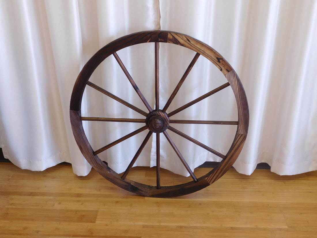 Light Weight Wooden Wagon Wheel for rent