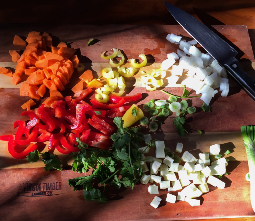 PKH_Cutting-Veggies-in-Quincho_1012x876