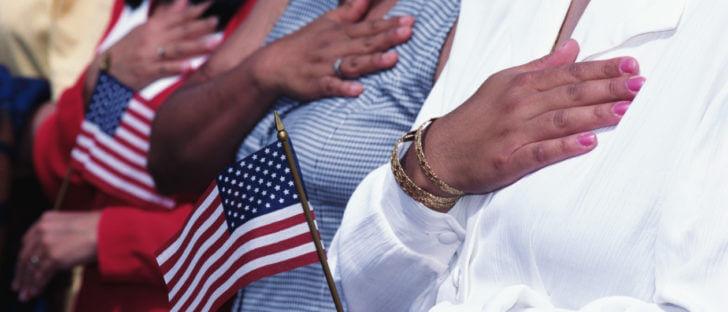 ¿Cuáles son los requisitos de elegibilidad para la naturalización en los Estados Unidos?