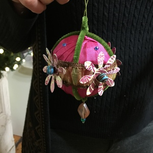 DIY Ribbon Ornaments
