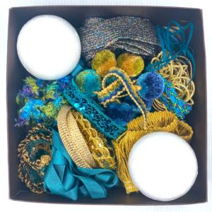 Trim Queen Peacock Ornament Kit