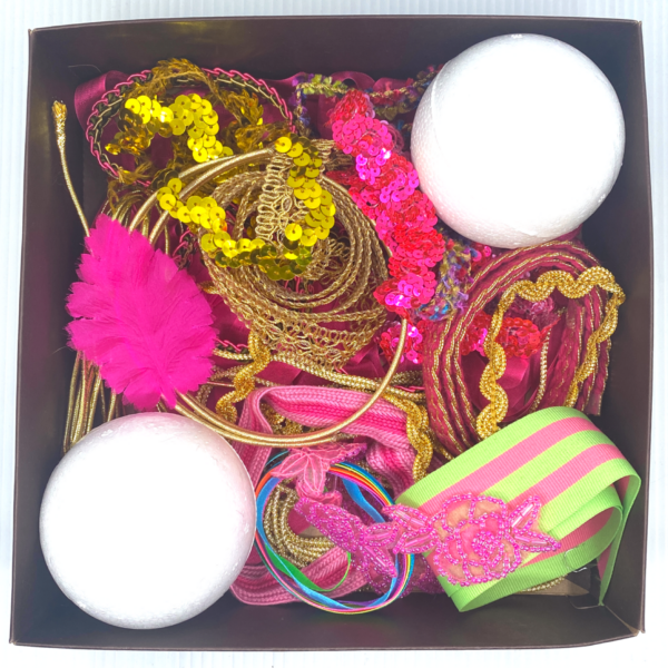 Trim Queen Pink Party Ornament Kit