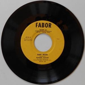 45-guitar-bonnie-fabor