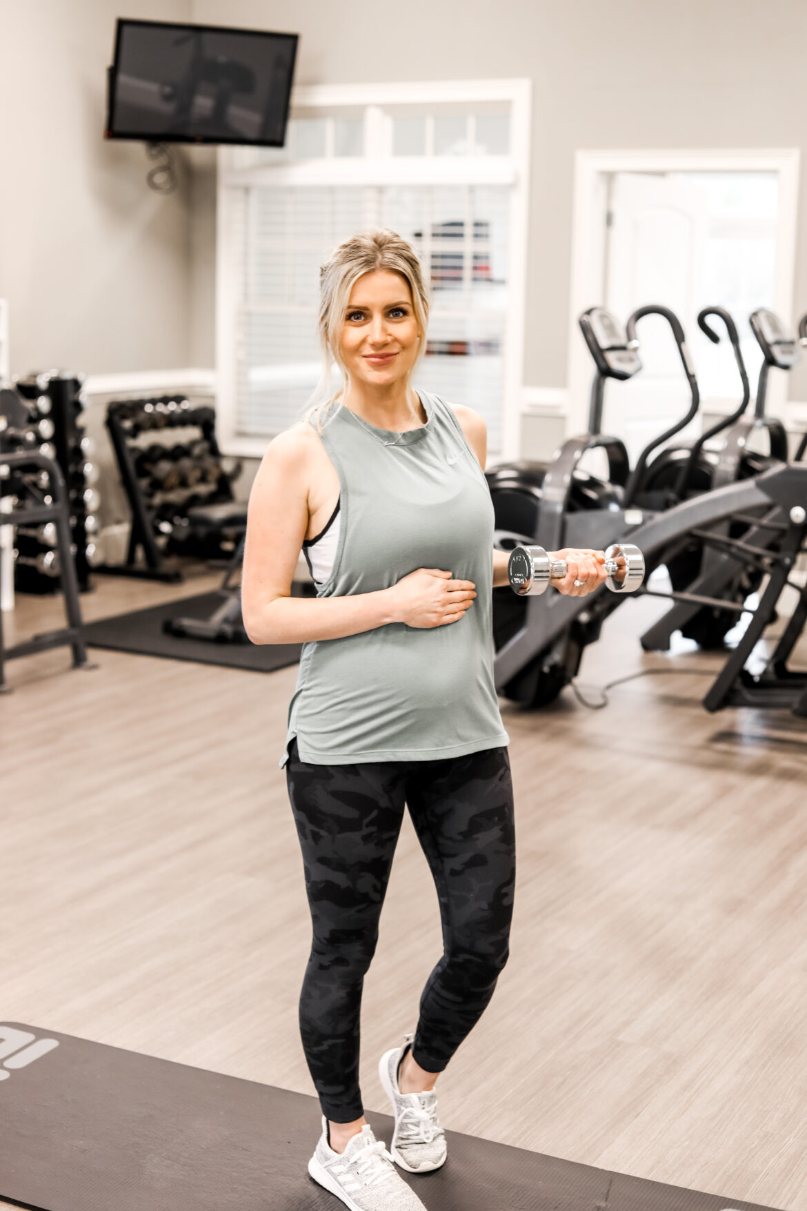 6 AT HOME Exercises Safe for pregnancy