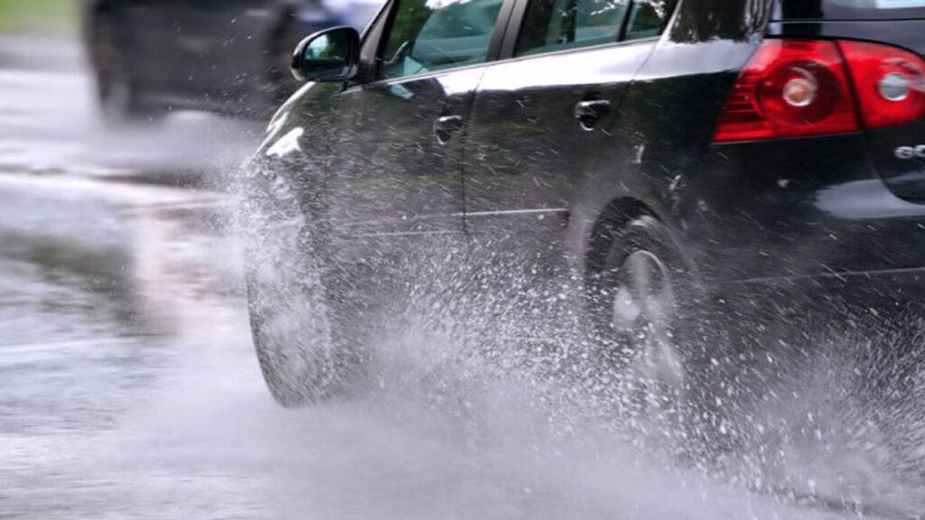 auto lluvias