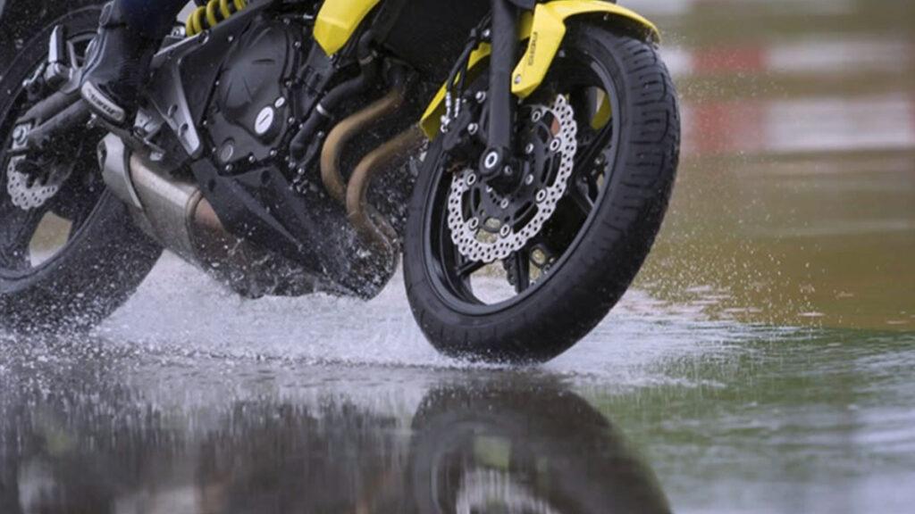 moto lluvias
