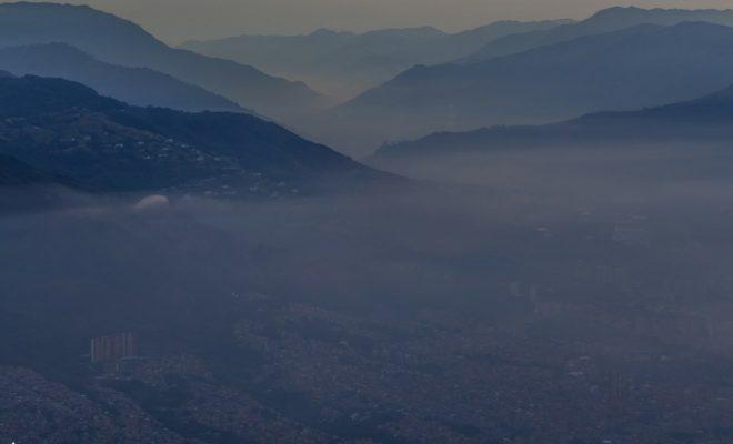 calidad del aire medellín, Esfera Viva, Alerta roja, aire, área metropolitana del valle de aburrá, pm 2.5, pico y placa ambiental, medellin, valle de aburra, contaminación medellin, crisis ambiental