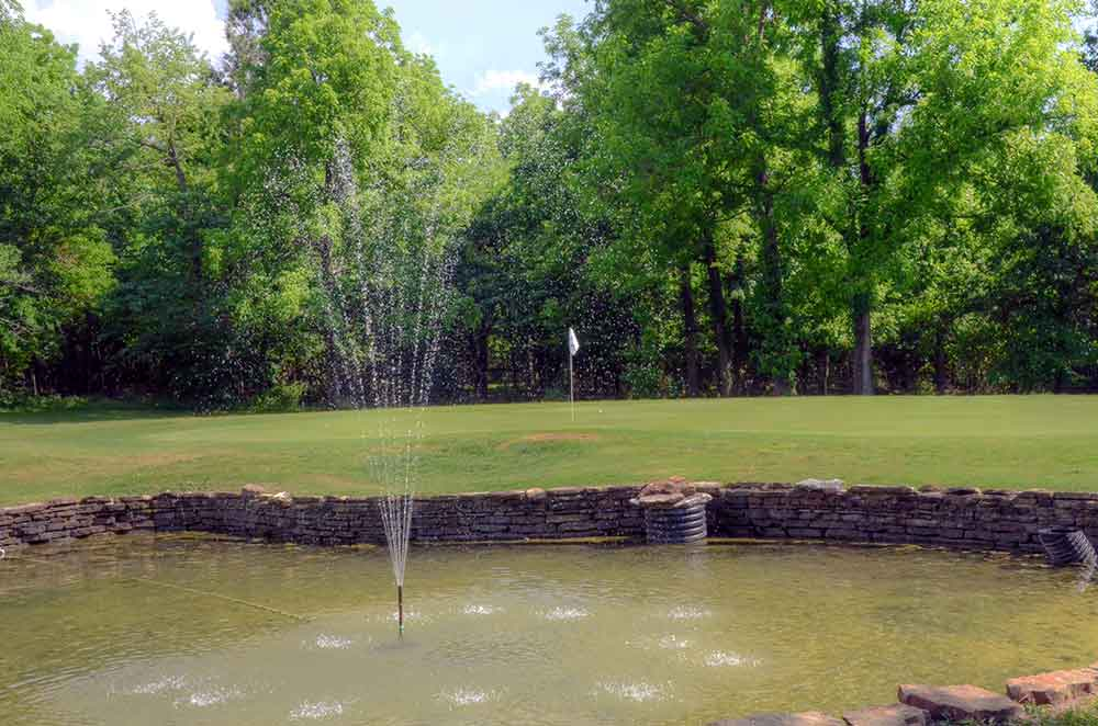 Greene-Hills-Country-Club,-Willard,-MO-Club-Fountain