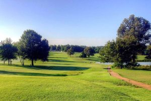 Hidden Trails Country Club. Golf Courses in Dexter, Missouri