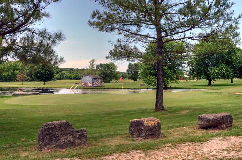 Honey-Creek-Golf-Club,-Aurora,-MO-Shed