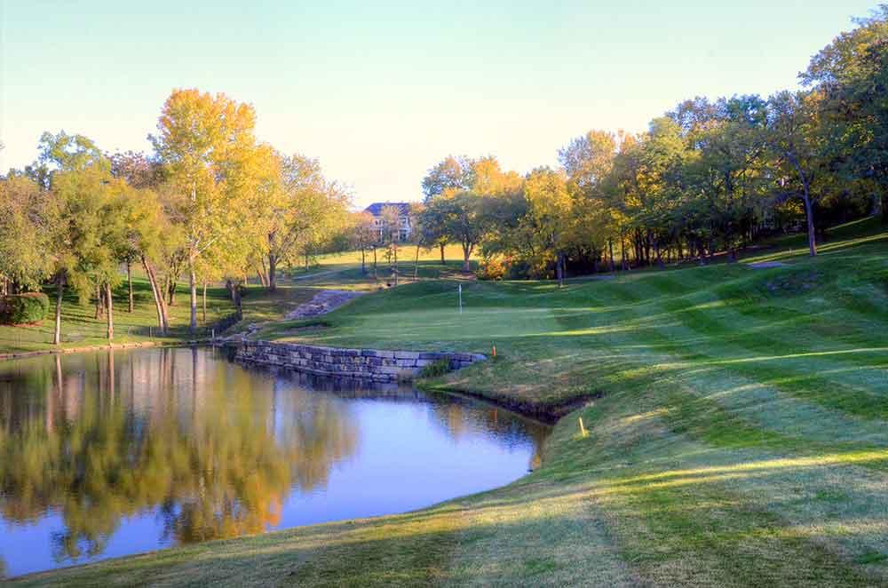 Lakewood-Oaks-Country-Club,-Lake