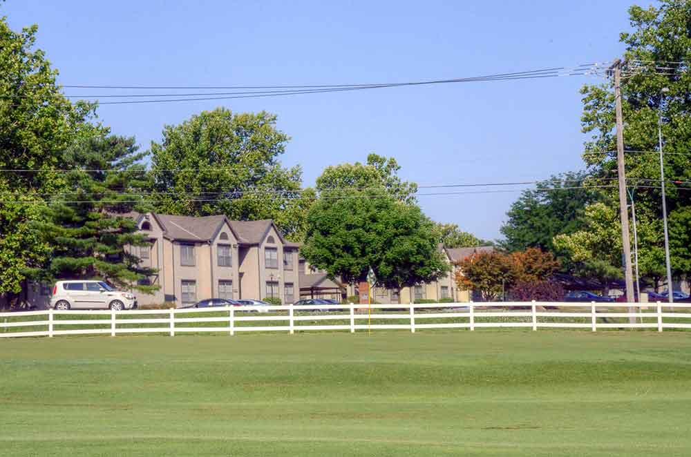 Minor-Park-Golf-Course,-Kansas-City,-MO-Fence