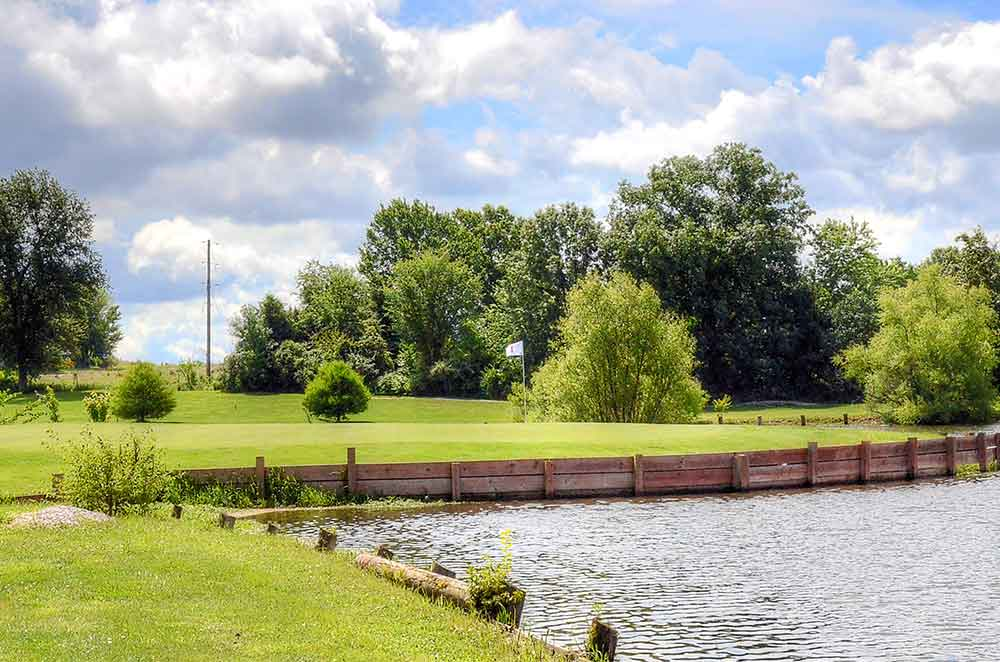 Montgomery-County-Golf-Club,-Montgomery-City,-MO-Island