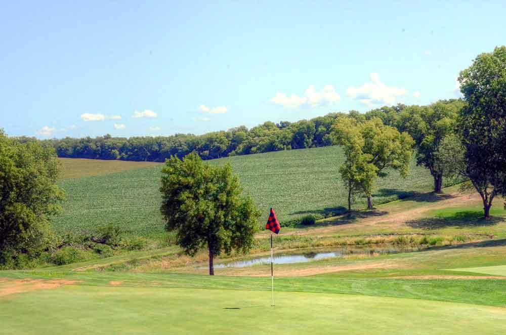 Mound-City-Golf-Club,-Mound-City,-MO-Flag