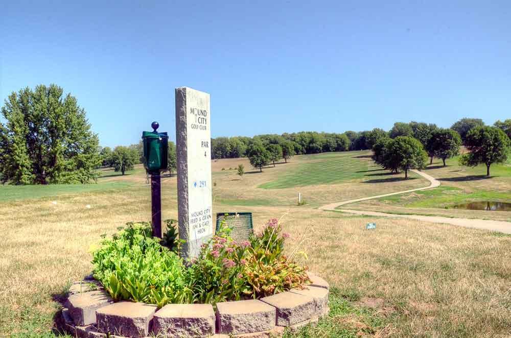 Mound-City-Golf-Club,-Mound-City,-MO-Hole-1