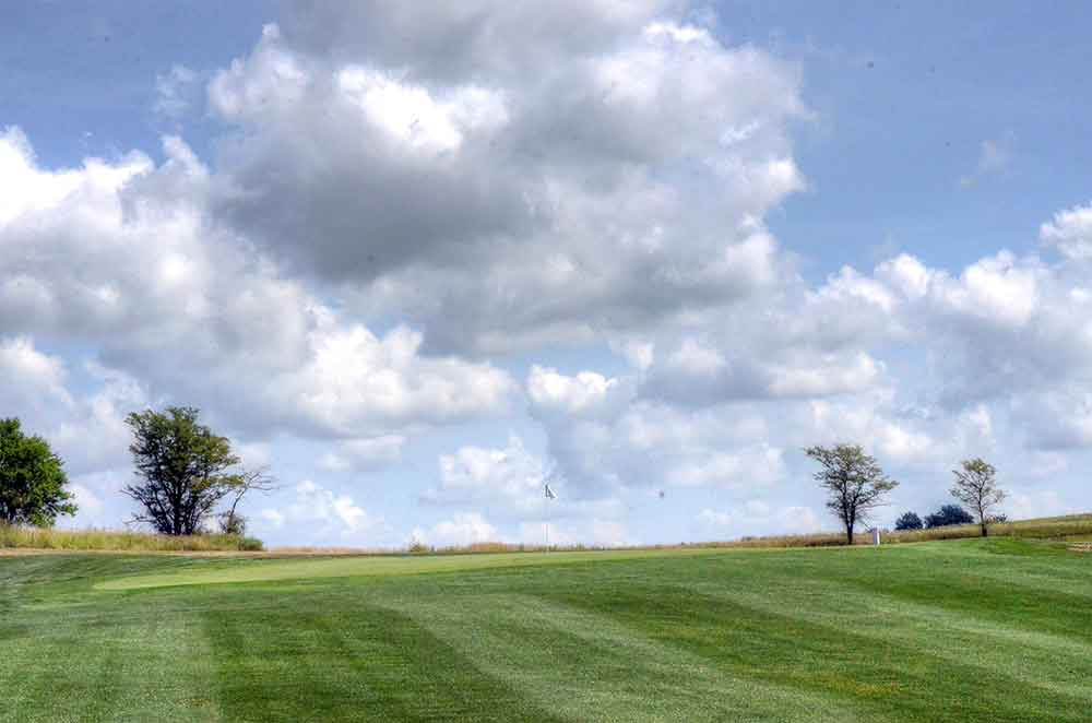 Mozingo-Lake-Recreational-Park-Golf-Course,-Maryville,-MO-Green