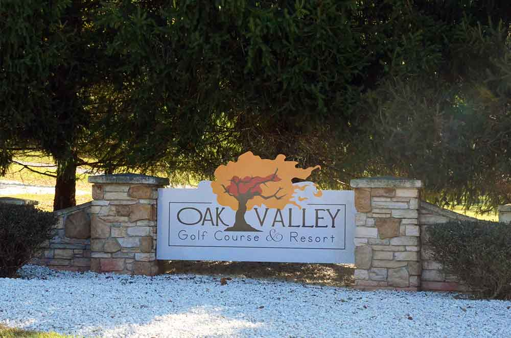 Oak-Valley-Golf-Course,-Pevely,-MO-Sign
