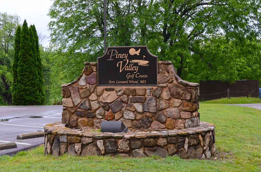 Piney-Valley-Golf-Course,-Ft-Leonard-Wood,-MO-Sign