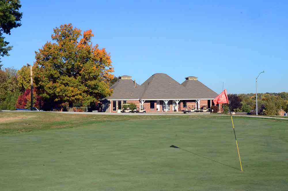 River-Oaks-Golf-Club,-Kansas-City,-MO-Club-House