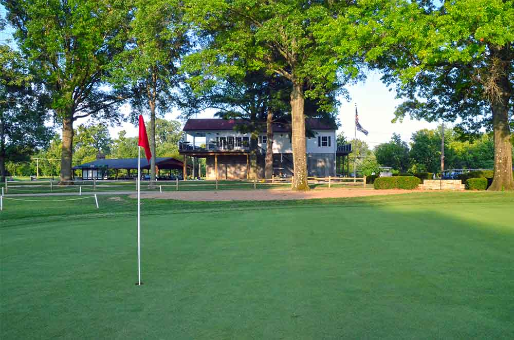 Riverside-Golf-Course,-St-Louis,-MO-Club-House