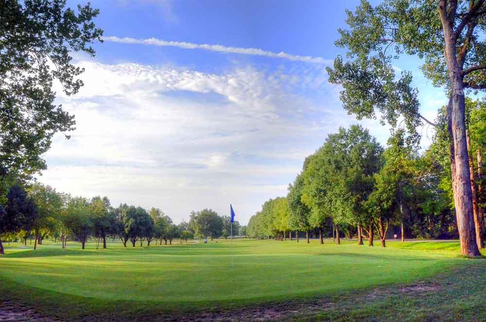 Riverside-Golf-Course,-St-Louis,-MO-Green