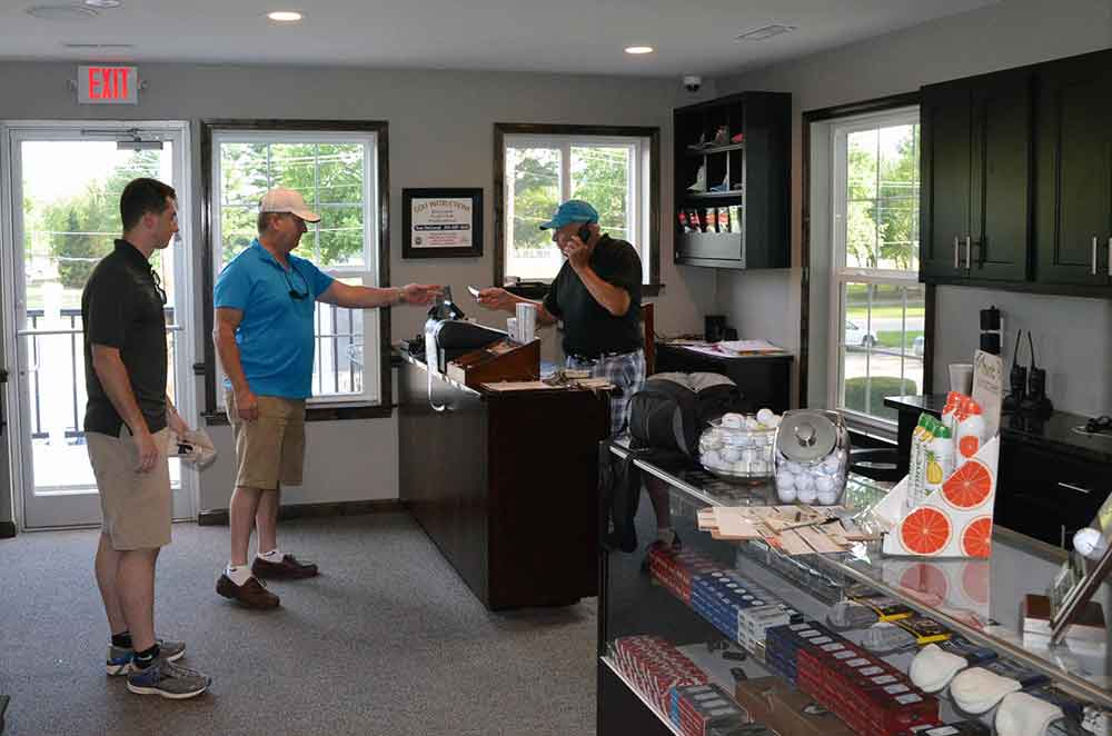 Riverside-Golf-Course,-St-Louis,-MO-Pro-Shop
