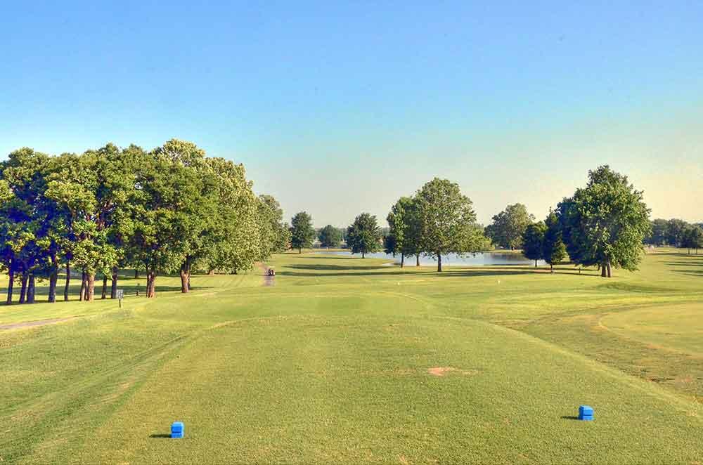 Schifferdecker-Golf-Course,-Joplin,-MO-First-Hole