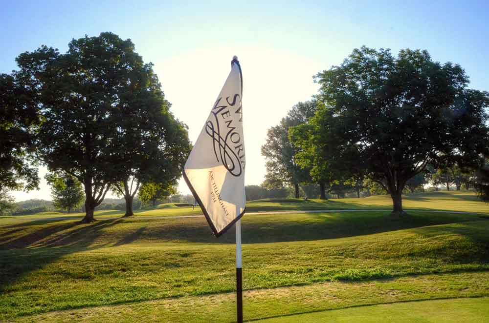 Swope-Memorial-Golf-Course,-Kansas-City,-MO-Flag