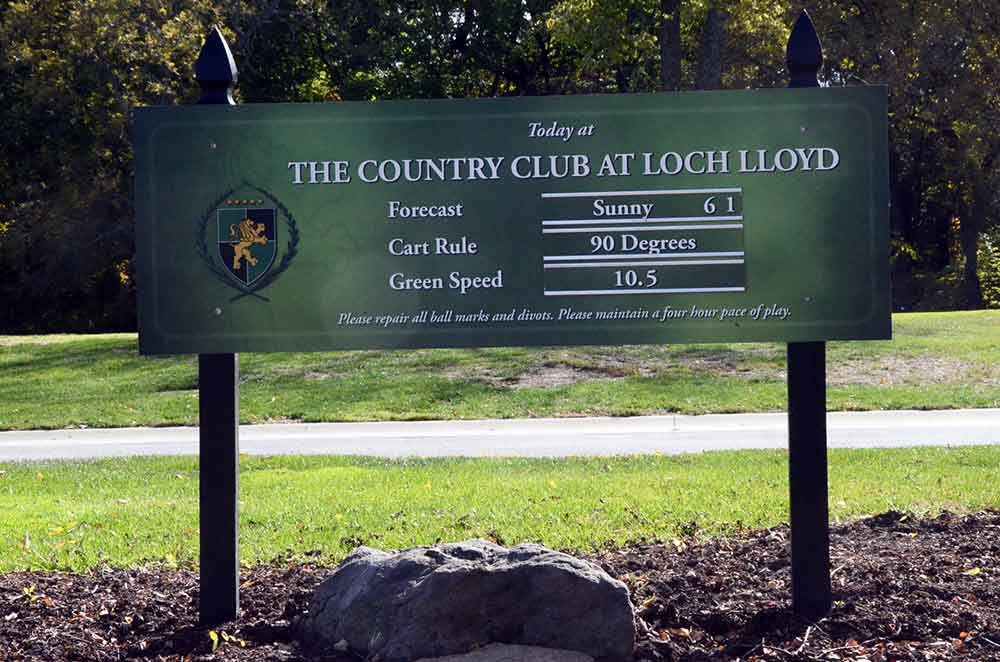 The-Country-Club-at-Loch-Lloyd,-Belton,-MO-Sign