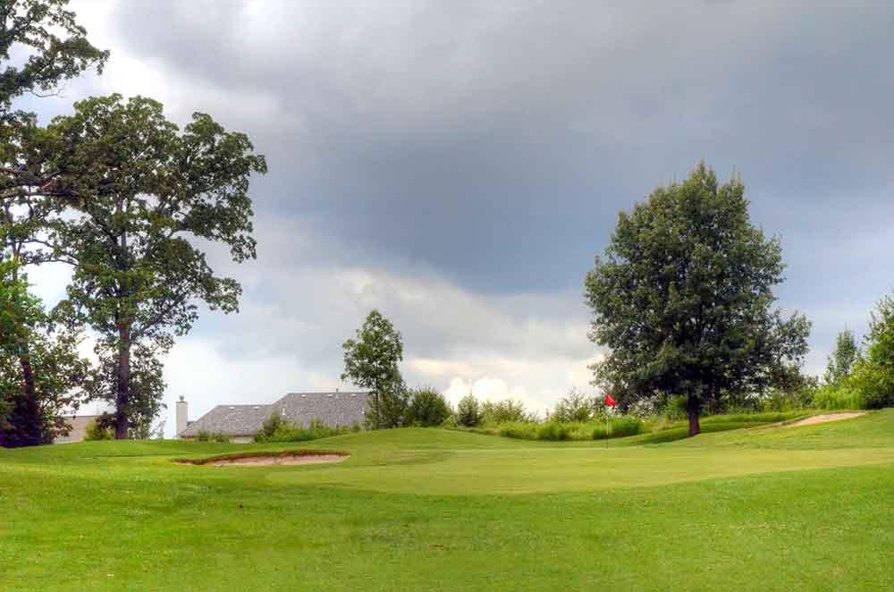 The-Falls-Golf-Club,-O'Fallon,-MO-Roofs